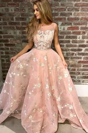 A-Line Round Neck Pink Tulle Prom Dress with Appliques Lace M2452