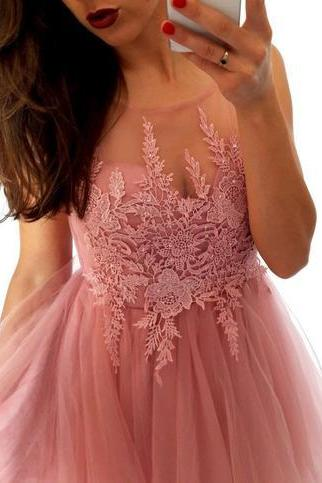Short A Line Scoop Neck Tulle Homecoming Dress Lace Appliques M3926