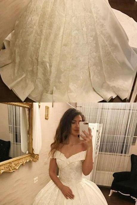 Elegant Ball Gown Off-The-Shoulder White Long Prom/Wedding Dress With Appliques M3998