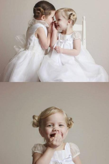 A-Line Round Neck White Tulle Flower Girl Dress with Bow M4804