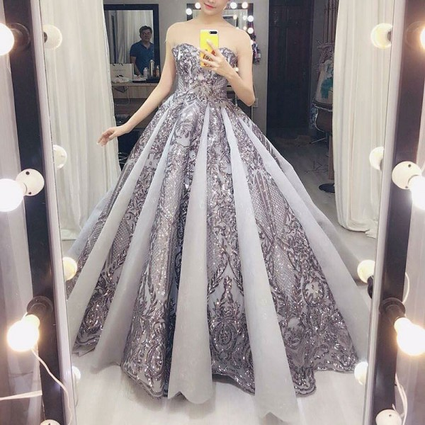 A-Line Sweetheart Floor-Length Grey Tulle Prom Dress with Appliques Beading M2379