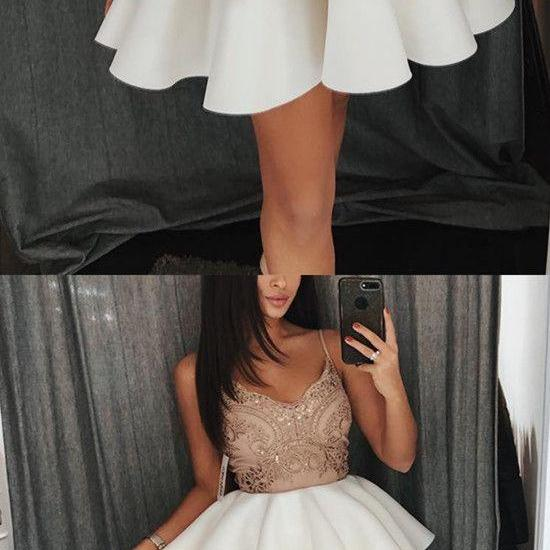 Champagne Lace Appliques V-neck Ruffles Homecoming Dresses Short Prom Gowns M3291