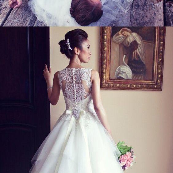 Elegant Beaded Wedding Dresses/Bridal Gown - Bateau Ball Gown Dress with Bowknot M5728
